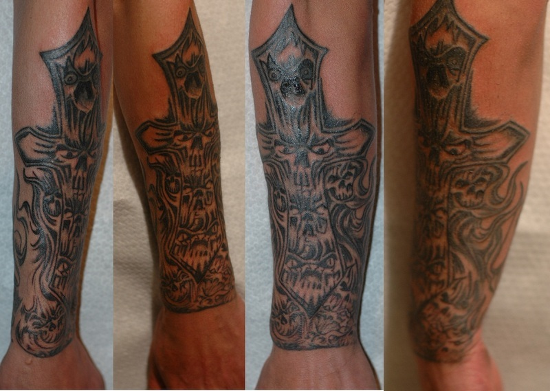Forearm tattoos for men tattoo art gallery for Tattoo designs for men forearm